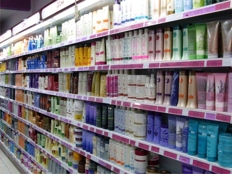 Em todo o ano, o varejo de shopping cresceu e o segmento que mais se destacou foi o de perfumaria e cosméticos, com 8%